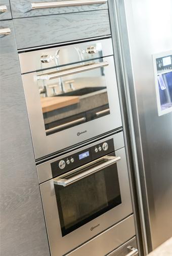 Apparatuur in de keuken van Janny & Dik