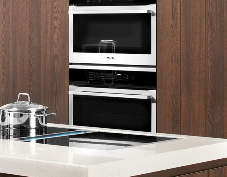 Moderne keuken met hout
