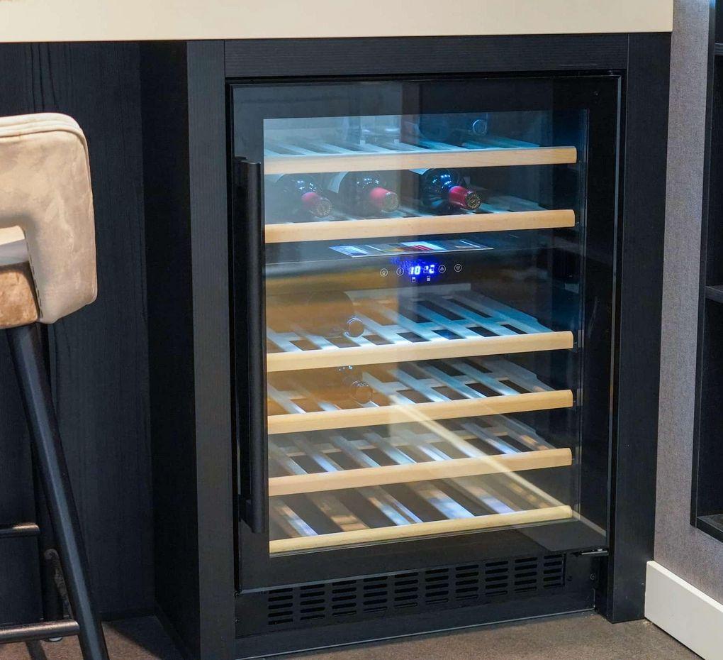 Wijnkoelkast in keukenblok